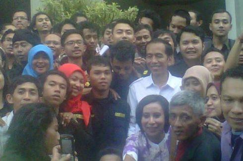 Jokowi, Bungkus Mi Instan, dan Bunga Edelweis