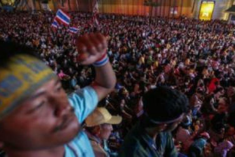 Unjuk rasa kelompok oposisi Thailand terus berlanjut.