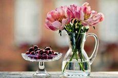Cara Mudah Membersihkan Vas Bunga Berleher Kecil