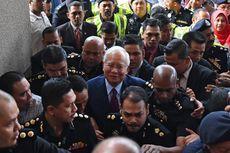 Mantan PM Malaysia Menolak Dakwaan Korupsi yang Diberikan