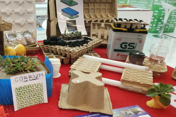 Berbagai produk mitra dari Yayasan Dharma Bhakti Astra (YDBA) dipamerkan dalam sebuah pameran otomotif nasional, di Tangerang, Banten. Foto diambil pada Jumat (10/8/2018).
