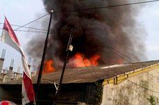 Rumah Dinkes Dibakar, Saksi Lihat Orang Berseragam TNI Tenteng Senjata