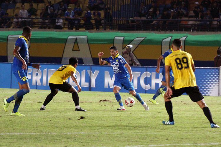 Winger Persib Bandung, Esteban Vizcarra.