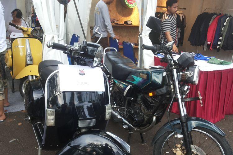 DeretanMotor motor lawas siap jual yang dipajang di lokasi Pasar Jongkok Otomotif (Parjo), di Museum Purna Bhakti Pertiwi, Taman Mini Indonesia Indah, Jakarta Timur, Sabtu (7/4/2018).