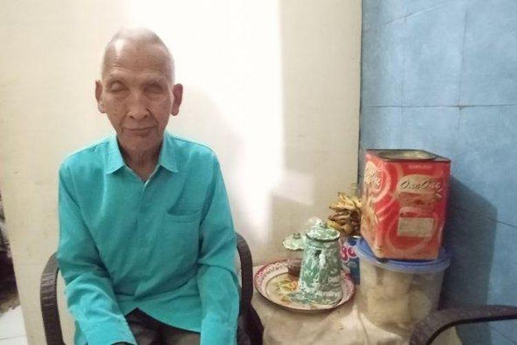 Pengrawit tuna netra Keraton Kasunanan Solo, Raden Tumenggung Sukarno Pandyodipuro (72) kini harus menghadapi nasib menganggur akibat pandemi Corona.