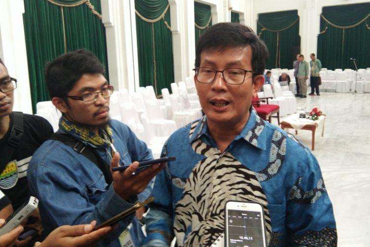 Ketua KPU Jabar Yayat Hidayat saat ditemui wartawan di Gedung Sate beberapa waktu lalu.