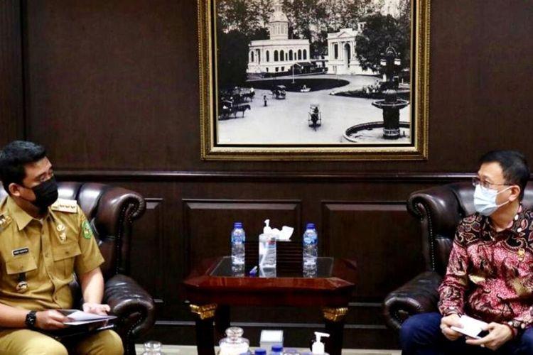 Wali Kota Medan Muhammad Bobby Afif Nasution mendapat apresiasi dari Ketua DPRD Medan Hasyim yang disampaikan langsung dalam rapat konsultasi di ruang khusus wali kota, Selasa (23/3/2021)