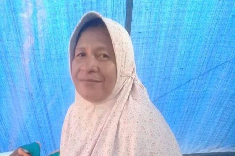 Nia Mony, warga Desa Morella di Kecamatan Leihitu, Kabupaten Maluku Tengah, yang terkena dampak gempa.
