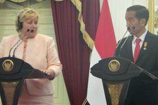 Ketika PM Norwegia Menciumi Tangan Orang-orang Rimba...