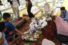 Makam Habibie-Ainun Ramai Dikunjungi Peziarah Sejak Pukul 10 Pagi