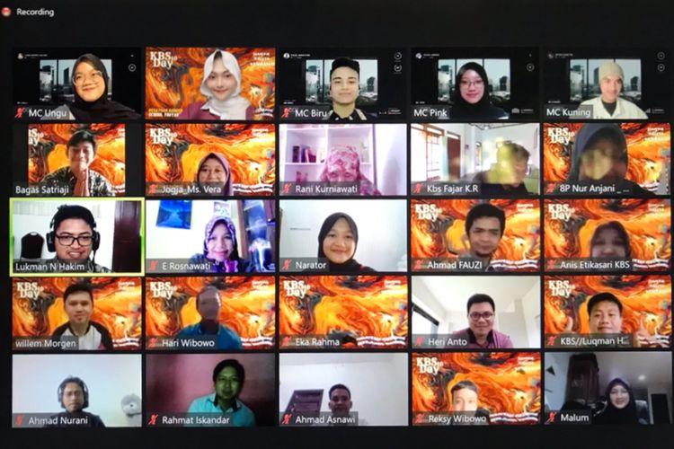 Acara puncak satu dekade Kesatuan Bangsa School, Bantul, DI Yogyakarta, berlangsung pada Sabtu, 17 April 2021, yang dihadiri siswa, guru, orangtua, dan seluruh warga sekolah. Turut hadir Rindangsari Kurniawati (Pembina Yayasan Pendidikan Kesatuan Bangsa Mandiri), dan Isdarmoko (Kadisdikbud Bantul).