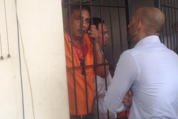 Warga negara AS Philip Russel berada di dalam tahanan Pengadilan Negeri Semarang, Rabu (20/7/2016) karena tersangkut penyelundupan sabu seberat 97 kg.
