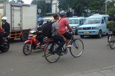 Wisata ke Kota Tua? Naik Saja Ojek Sepeda Ontel