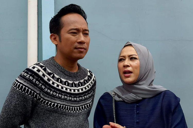 Denny Cagur dan istrinya, Shanty Widihastuti saat ditemui di kawasan Tendean, Jakarta Selatan, Selasa (3/3/2020)