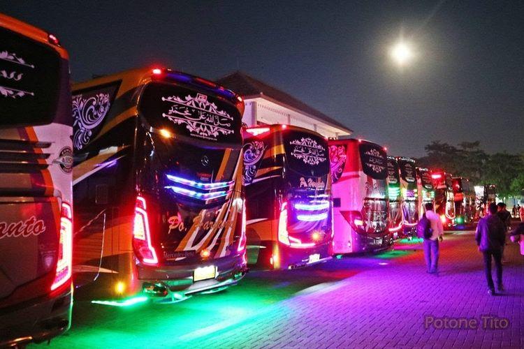 Bus AKAP lampu variasi