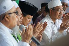 Berkunjung ke Situbondo, Prabowo Nyekar ke Makam Kyai As'ad Syamsul Arifin