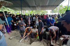 Isak Tangis Iringi Pemakaman Jenazah Kakak Beradik Korban Sriwijaya Air SJ 182
