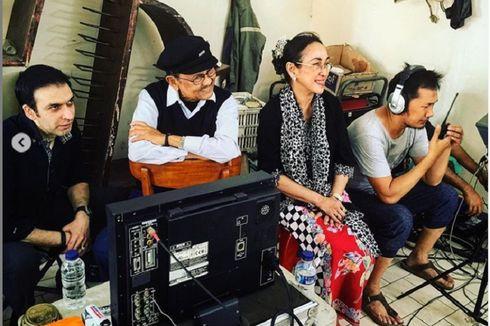 Hanung Bramantyo Unggah Foto Bersama Habibie dengan Emotikon Menangis
