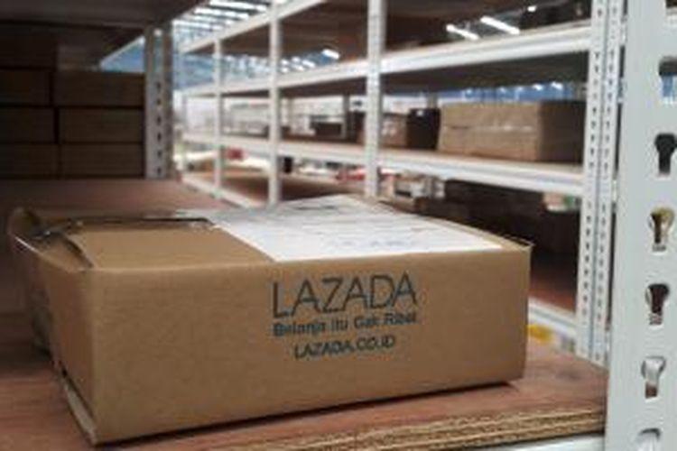 Barang yang sudah dikemas dan siap dikirimkan di gudang baru Lazada Indonesia, Cakung, Jakarta Utara.