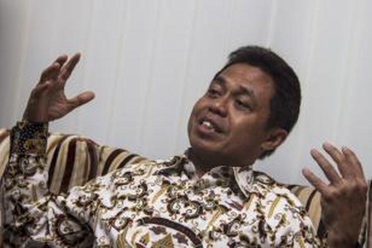 Wali Kota Depok, Nur Mahmudi Ismail mendapat penghargaan Wali Kota Teladan dalam Gerakan Diversifikasi Pangan Tahun 2013.