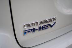Ada Peraturan LCEV, Harga Outlander PHEV Bisa Lebih Murah?
