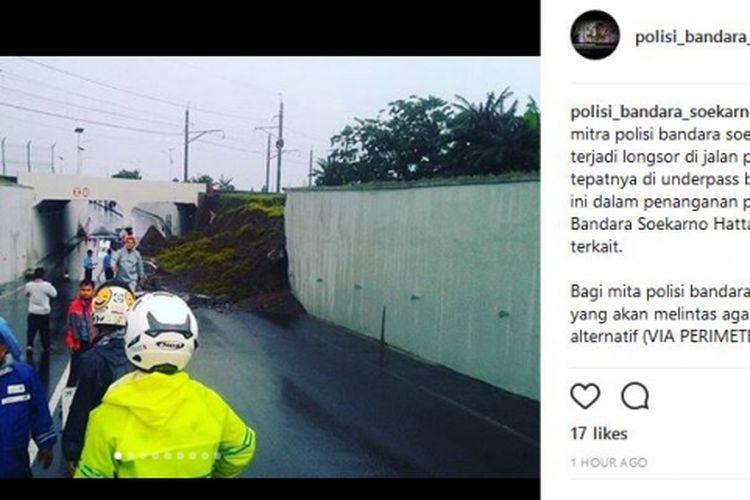 Tembok Jalan Perimeter Selatan, Bandara Soekarno-Hatta, Tangerang, ambrol, Senin (5/2/2018).