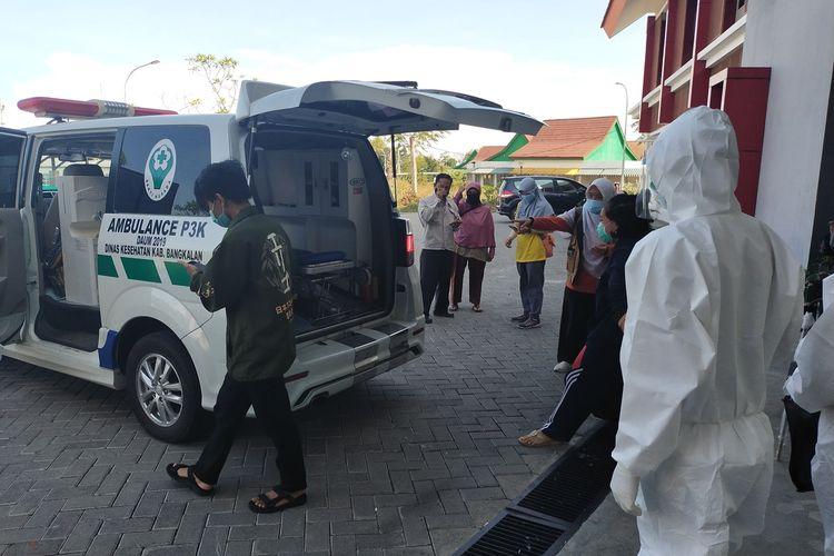 3 Pasien Covid-19 hasil swab PCR dikirim langsung ke RSLI Surabaya, Kamis (10/6/2021).