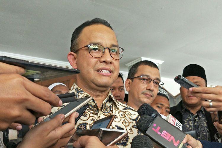 Gubernur DKI Jakarta Anies Baswedan di Asrama Haji Pondok Gede, Jakarta Timur, Sabtu (6/1/2018).