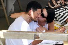 Kini, Kendall Jenner dan Devin Booker Tak Ragu Pamer Kemesraan