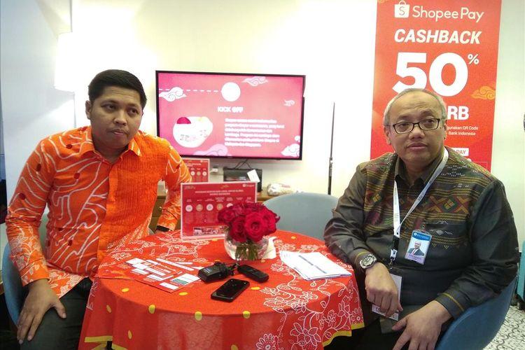 Head of Government Relationship Shopee Indonesia Radityo Triatmojo (kiri) dan Kepala Departemen Pengembangan UMKM dan Perlindungan Konsumen Bank Indonesia Budi Hanoto dalam wawancara ekslusif di IKK Jakarta, Jumat (12/7/2019).