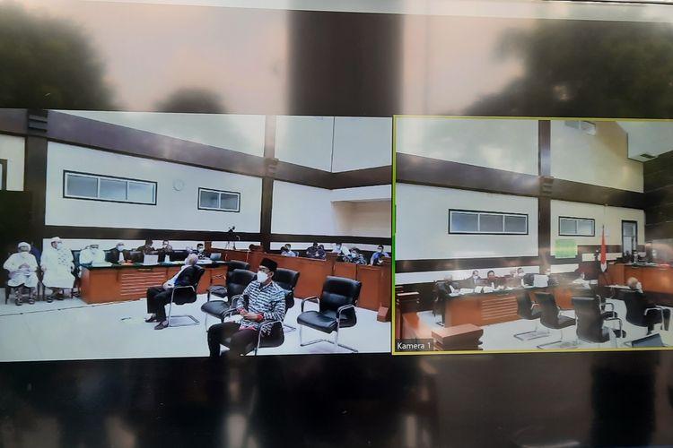 Ahli Hukum Tata Negara Refly Harun dihadirkan sebagai ahli oleh terdakwa Rizieq Shihab dan penasihat hukum dalam sidang di Pengadilan Negeri (PN) Jakarta Timur, Senin (10/5/2021).