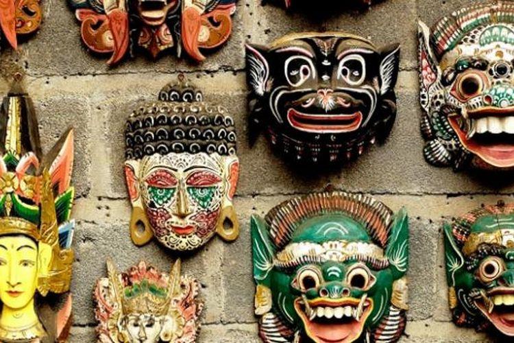 ILUSTRASI - Topeng Bali, suvenir khas Desa Tenganan, Kabupaten Karangasem, Bali.
