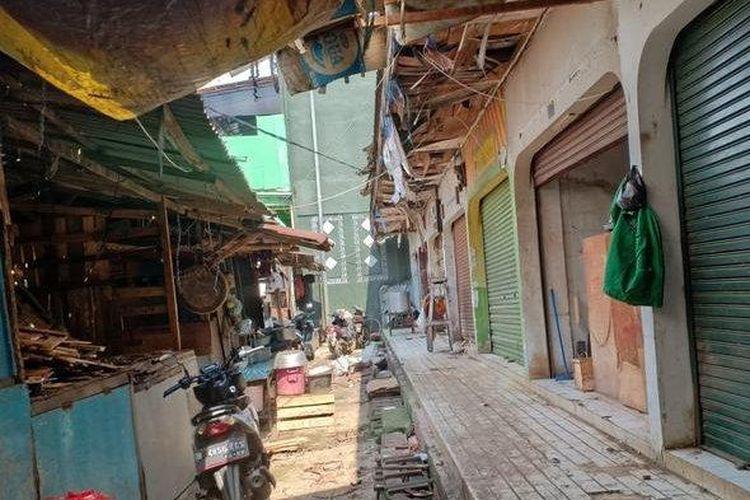 Suasana Pasar Jatiasih yang bakal direvitalisasi oleh pihak ketiga yang bekerjasama dengan Pemerinta Kota Bekasi. Lewat pihak ketiga, Kota Bekasi akan merevitalisasi empat pasar yakni Pasar Jatiasih, Pasar Family Mart, Pasar Bantargebang dan Pasar Kranji Baru.