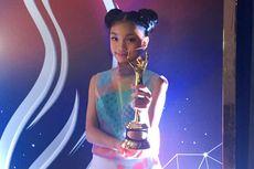Naura Bangga Berhasil Genggam Trofi AMI Awards 2018