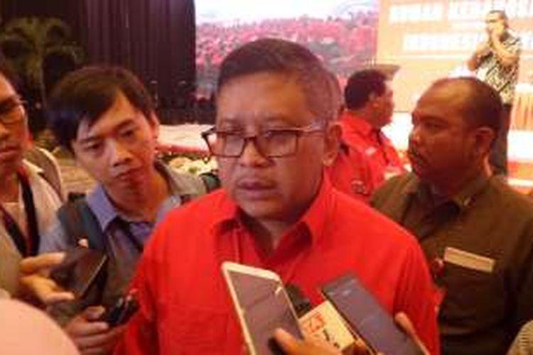 Sekretaris Jenderal PDI Perjuangan Hasto Kristiyanto di sela acara HUT PDI-P di JCC Senayan, Jakarta, Selasa (10/1/2017)