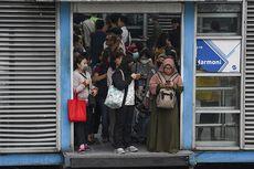Transportasi Jakarta Abaikan Protokol Kesehatan pada New Normal