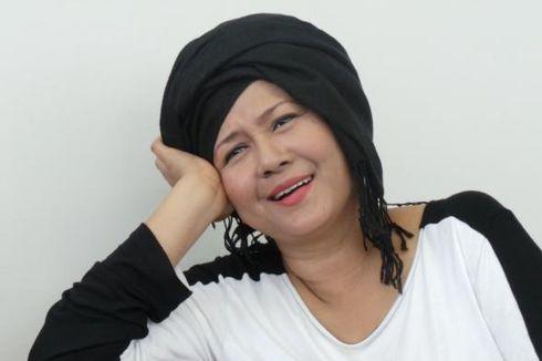 Ria Irawan Kenalkan Bule Muslim kepada Julia Perez
