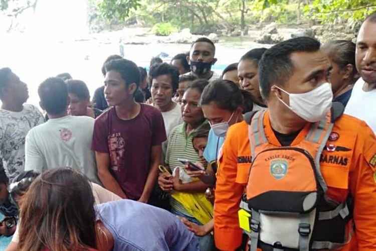 Seorang nelayan asal Dusun Airlow, Desa Latuhalat, Kecamatan Nusaniwe, Ambon bernama Johan Watilete yang dilangsungkan saat melaut ditemukan tewas di pantai dusun tersebut, Minggu (13/2/2021).