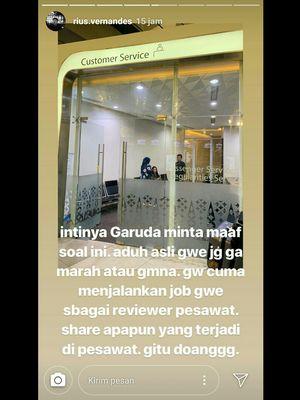 Unggahan akun instagram @rius.vernandes mengenai kartu menu kelas bisnis maskapai Garuda Indonesia yang disebut hanya ditulis tangan. Screenshot diambil pada Minggu (14/7/2019).