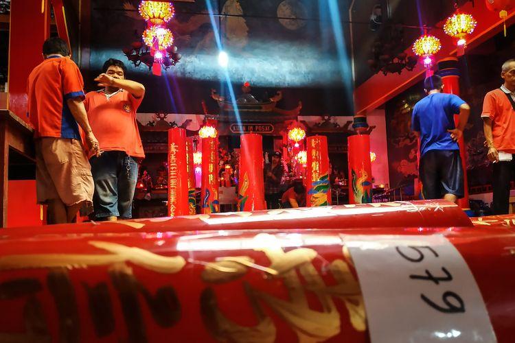 Pemerian nomor menjadi penting agar umat Tridharma tidak salah menyulut lilin yang bukan miliknya di Klenteng Hok Lay Kiong, Kota Bekasi pada Tahun Baru Imlek 2571 yang jatuh pada Sabtu, 25 Januari 2020 nanti.