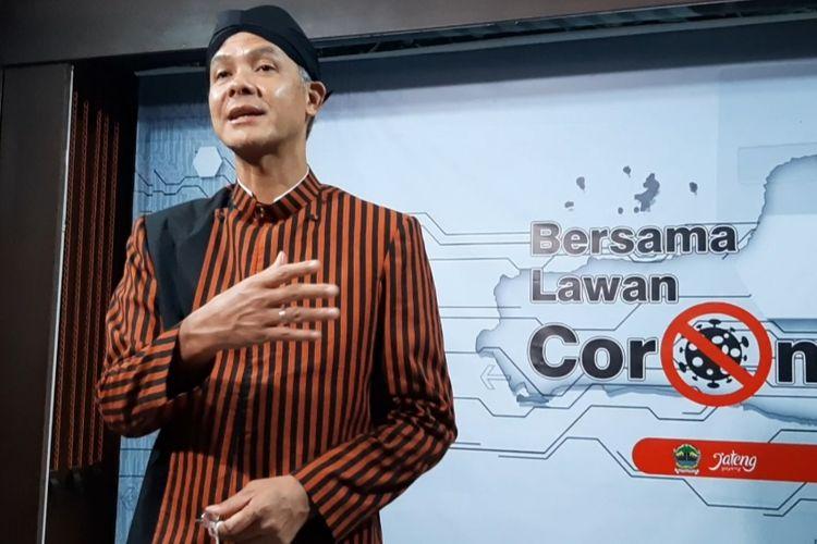 Gubernur Jawa Tengah Ganjar Pranowo saat ditemui di rumah dinasnya Puri Gedeh Semarang, Rabu (16/4/2020) malam.
