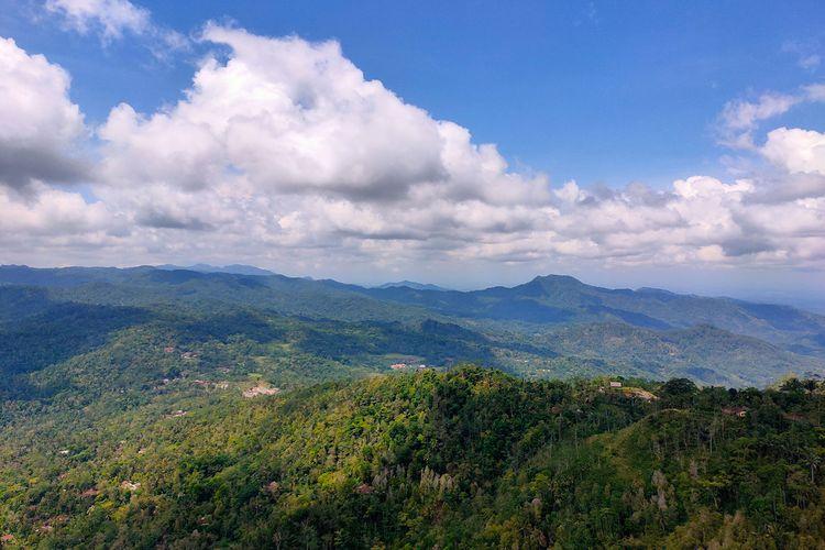 Pemandangan dari Puncak Widosari Kulon Progo