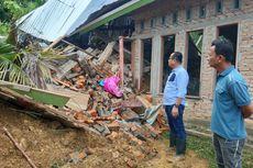 Longsor di Pesisir Selatan, 3 Rumah Hancur, 31 Jiwa Mengungsi