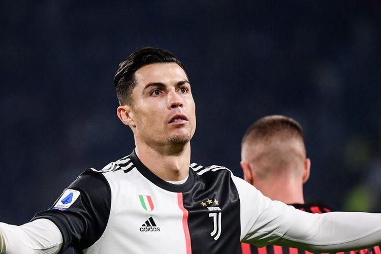 Megabintang Juventus, Cristiano Ronaldo, saat tampil pada laga Juventus vs AC Milan, di Allianz Stadium, Minggu (10/11/2019).