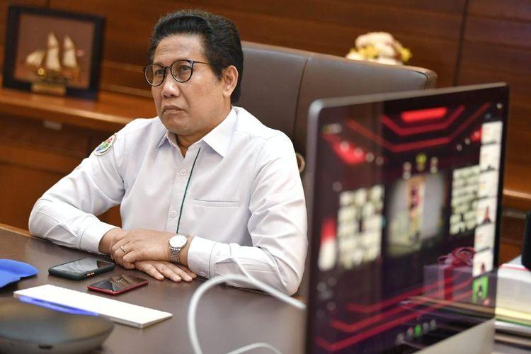 Menteri Desa, Pembangunan Daerah Tertinggal dan Transmigrasi (Menteri Desa PDTT) Abdul Halim Iskandar mengikuti Launching Core Values dan Employer Branding Aparatur Sipil Negara (ASN) secara virtual. Jakarta (27/7/2021)