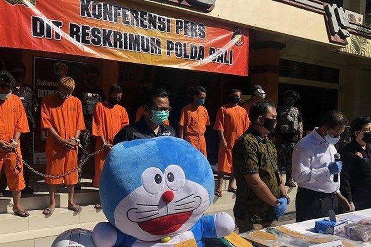 konferensi pers pembobolan ATM oleh Polda Bali (Tribun Bali)