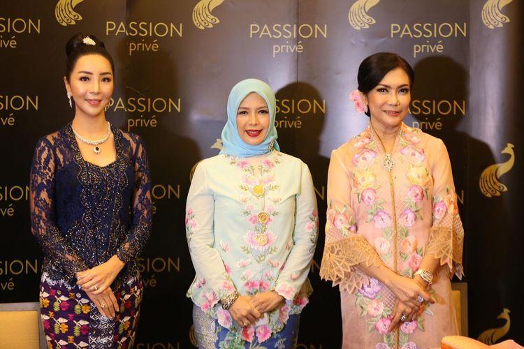 Launching Permata Nusantara dihadiri Airyn Tanu sebagai COO Passion Prive, Nur Asia Sandiaga Uno sebagai Penasehat Darmawanita Kemenparekraf dan pelukis Yulie Nasution.