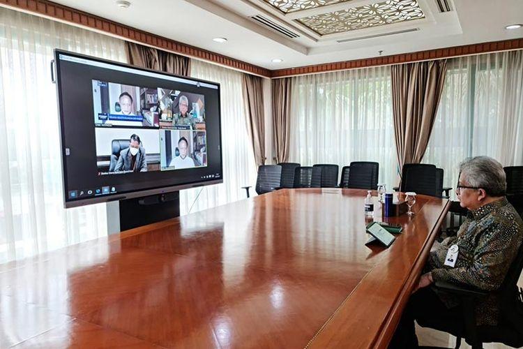 Direktur Utama Bank BJB Yuddy Renaldi dalam talk show virtual Economic Update, Selasa (13/7/2021).