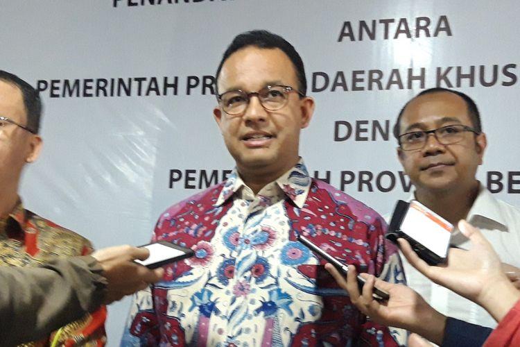 Gubernur DKI Jakarta Anies Baswedan di Pasar Kenari, Jakarta Pusat, Senin (29/4/2019)