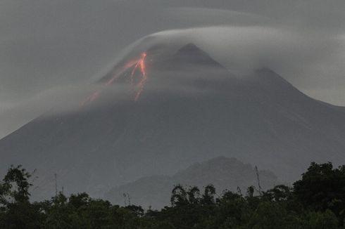 Kubah Kawah Gunung Merapi Meninggi, Sudah 45 Meter